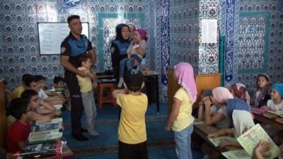 Polisten ailelere çağrı, 'Çocuklarınızı polis ile korkutmayın'