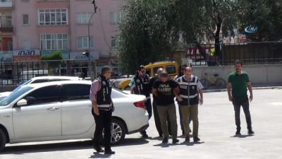 Başkalarının yerine ehliyet sınavına giren 2 kişi serbest bırakıldı