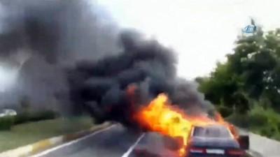amator -  Seyir halindeki otomobil alev alev yandı