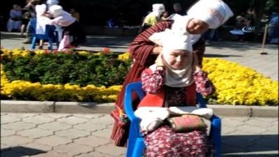 """- Kırgız """"Eleçek"""" Kültürü Yaşatılıyor - Bir Saatte 100 Kadın Eleçek Sardı"""