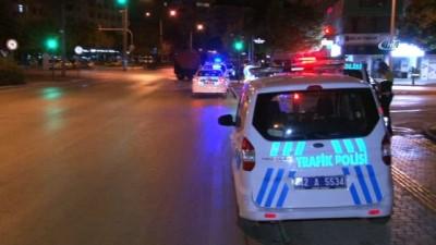Kırmızı ışık ihlali yapan alkollü sürücü polis aracına çarptı: 3 yaralı