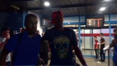Toure ve Ayuk Trabzonspor için Türkiye'ye geldi - TRABZON