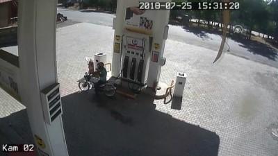 akaryakit istasyonu - Kapkaççıları, kullandıkları motosiklet ele verdi - AĞRI