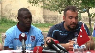 Trabzonspor'da Zargo Toure sözleşme imzaladı -2-