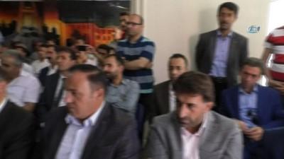 konferans -  AK Parti Hakkari Milletvekili Dinç mazbatasını aldı