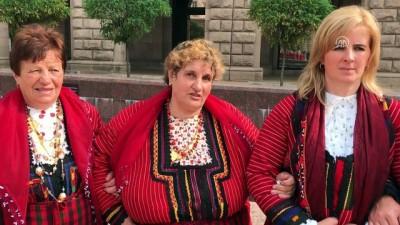 Bulgaristan'da halk oyunlarıyla protesto - SOFYA