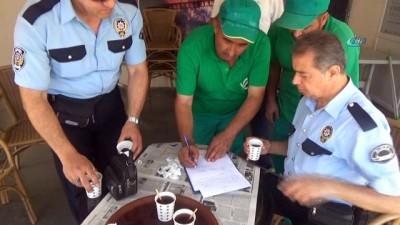 Çöpte bulduğu 4 bin lirayı polise teslim etti