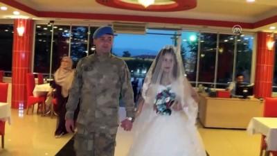 Düğününde damatlık yerine askeri kamuflajını giydi - TOKAT