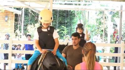 - Küçükçekmeceli minikler yaz aylarını binicilik öğrenerek geçiriyor