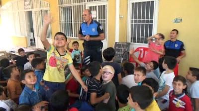 Polis ekibinden öğrencilere 'Çocuk İstismarı' uyarıları