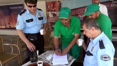 Temizlik işçisi bulduğu parayı polise teslim etti - BURSA