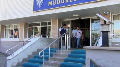 FETÖ'den adliyeye çıkarılan 4 askerden 1'i tutuklandı