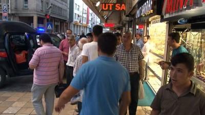 argo -  Kayseri'de kargodan gelen elbiseleri açan 10 kişi zehirlendi