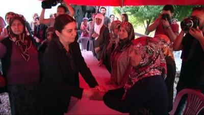 Kılıçdaroğlu'ndan Eylül'ün ailesine taziye ziyareti (2) - ANKARA