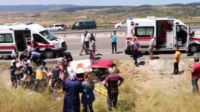 Otomobil şarampole devrildi: 5 yaralı - BOLU