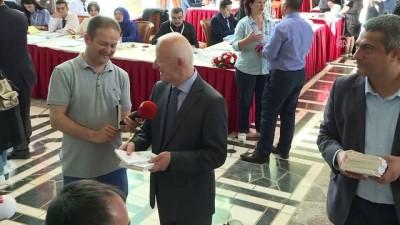 Milletvekilleri kayıt yaptırıyor - İbrahim Kaboğlu - Olcay Kılavuz - Gültekin Uysal - Ravza Kavakcı - TBMM