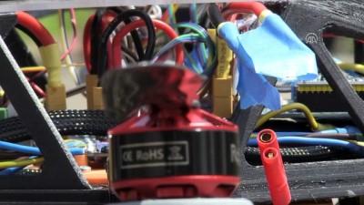 Üniversite öğrencileri robot kollu drone geliştirdi - KOCAELİ