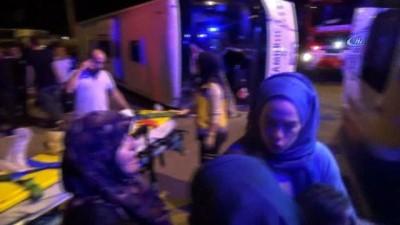 Kütahya'da tırın çarptığı yolcu otobüsü devrildi: 1 ölü, 13 yaralı