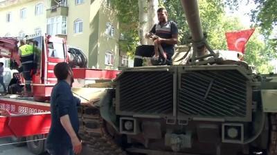 15 Temmuz Demokrasi Parkı'na tank yerleştirildi - BALIKESİR