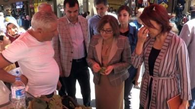 Fatma Şahin, esnafı ziyaret etti