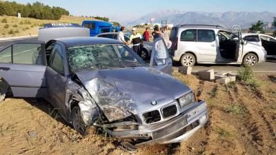 İki otomobil çarpıştı: 4 yaralı - ERZİNCAN