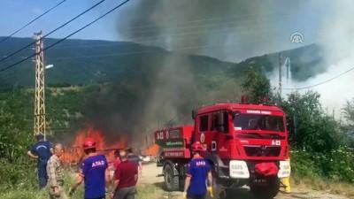 Köyde çıkan yangında cami, köy odası ve 6 ev yandı - KARABÜK