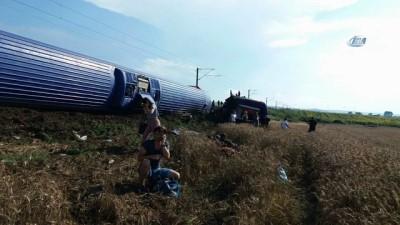 saglik ekibi -  Tekirdağ'ın Çorlu ilçesi yakınlarında yolcu treninin bir vagonu, raylardan çıkıp devrildi. Yaralılar olduğu belirtildi. Olay yerine çok sayıda sağlık ekibi sevk edildi.
