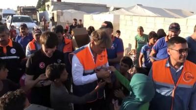 Ünlü Türk cerrah Dr. Mehmet Öz Suriye'de - AZEZ