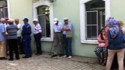 Tren kazasında vefat eden 64 yaşındaki Zübeyda Seven'in cenazesi toprağa verildi - KIRKLARELİ