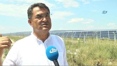 İhtiyaçlarının 15 katı elektrik üretiyorlar... Güneş panelleri havadan böyle görüntülendi