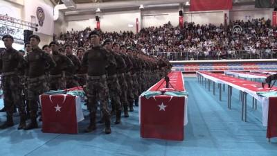 Karabük Polis Meslek Eğitim Merkezi'nde mezuniyet sevinci