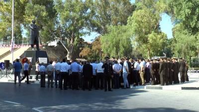 - Kıbrıs'ın Fethi Törenlerle Kutlandı