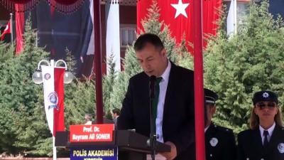 Kırşehir'de özel harekat polisi adaylarının mezuniyet sevinci