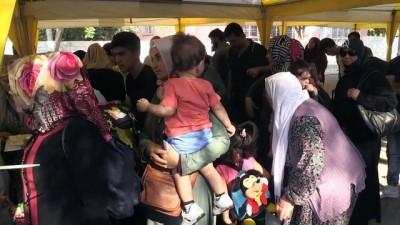 Suriyeliler bayram için ülkelerine gitmeye başladı - GAZİANTEP