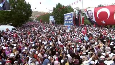 Cumhurbaşkanı Erdoğan : 'Dolar molar bizim yollarımızı kesmez' - BAYBURT