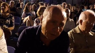 Kadıköy'de Tiyatro Festivali'ne yoğun ilgi