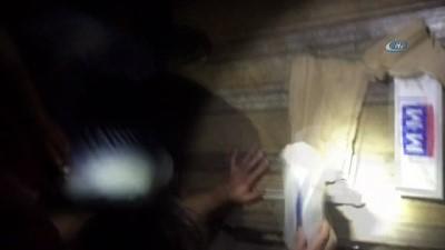TIR'ın gizli bölmesine zulalanmış bin 100 paket kaçak sigara ele geçirildi
