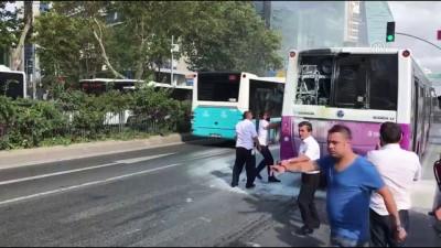 Seyir halindeki özel halk otobüsünde yangın - İSTANBUL