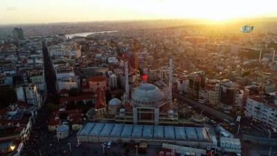 Sona gelinen Taksim Camii'nde gün batımı mest etti...Çalışmaların sürdüğü Taksim Camii havadan görüntülendi