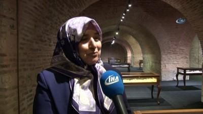 Türk kadınlarının nakışları 2'nci Elizabeth'in sarayını süslüyor