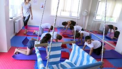 Özel çocuklara yoga ile terapi - ANKARA