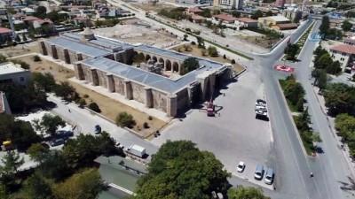 Sekiz asırlık Selçuklu mirası Sultanhanı Kervansarayı'nın havadan görüntülendi