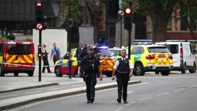 İngiltere Parlamentosu önündeki kaza sonrası Londra alarmda