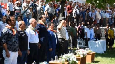 Dursunbey er meydanında başpehlivan Ali Gürbüz