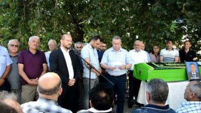 Kalp krizi geçiren belediye meclis üyesi törenle son yolculuğuna uğurlandı