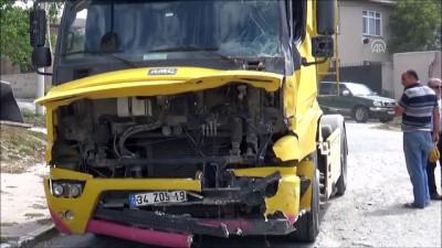 Silivri'de hafriyat kamyonu gecekonduya çarptı - İSTANBUL