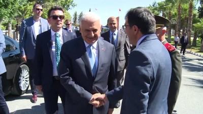 TBMM Başkanı Yıldırım, KKTC'de Boğaz Şehitliği'ni ziyaret etti - LEFKOŞA