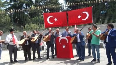 Beyoğlu'nda halk ozanları ABD'yi ve doları protesto etti