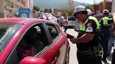direksiyon - Çocuklar anne babalarını trafikte kırmızı düdükle uyaracak - MANİSA