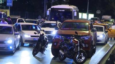 Bakırköy'de trafik kazası: 3 yaralı - İSTANBUL